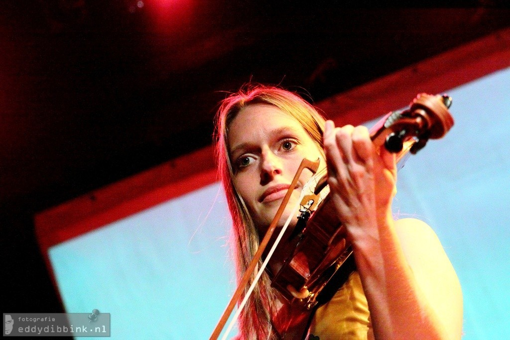 Annemarie van Viegen op viool
